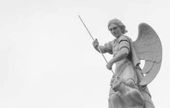 Statue on top of the Catedral de la Almudena